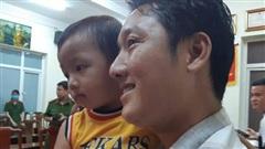 Từ vụ bắt cóc cháu bé 2.5 tuổi ở Bắc Ninh, hoảng hốt nhìn lại một nơi nguy hiểm không kém nhưng bố mẹ vẫn thường xuyên mắc sai lầm