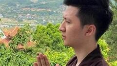 Rò rỉ hình ảnh Trọng Hưng mặc áo nâu sòng, lên chùa tịnh tâm sau vụ Âu Hà My bắt quả tang ngoại tình