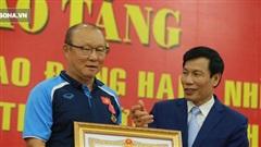 Nhận vinh dự lớn, HLV Park Hang-seo đưa ra lời cam kết đầy trách nhiệm với bóng đá Việt