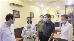 Phó Bí thư Thành ủy Hà Nội thị sát việc phòng chống Covid-19 tại các quán hàng, trường học