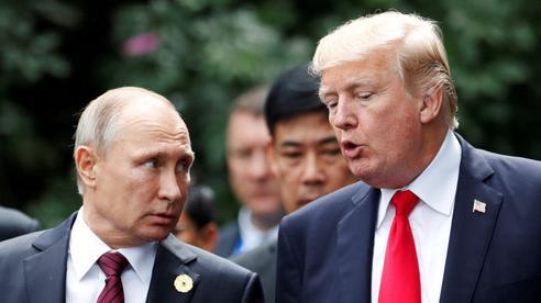 Ông Trump 'quát vào mặt' cố vấn ngay trước mặt Thủ tướng Anh vì cuộc gọi nhỡ của ông Putin