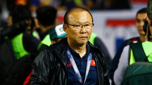Đừng khiến thầy Park 'đau' vì giảm lương, bởi ông còn nỗi lo khác 'to bằng cái giành'