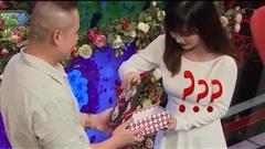 Bạn muốn hẹn hò: Cô gái 'đứng hình' khi mở quà của chàng trai, cả trường quay bỗng im lặng