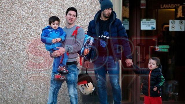 Messi lái xe trong đêm tới thăm chiến hữu thân thiết sắp bị 'đá' khỏi Barcelona