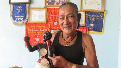 'Vua chỏ' giang hồ Sài Gòn: Lên đài vì... đói & trận giải nghệ khiến đối thủ khiếp đảm