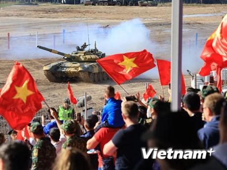 Hình ảnh đội tăng Việt Nam thi đấu tại vòng bán kết Tank Biathlon