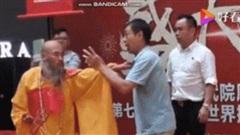 Võ sư từng đóng thế cho Lý Liên Kiệt thách đấu 'Gã hề làng võ TQ' theo thể thức kỳ lạ