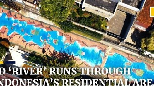Con đường nhựa bỗng hóa thành 'dòng sông' tuyệt đẹp ở Indonesia
