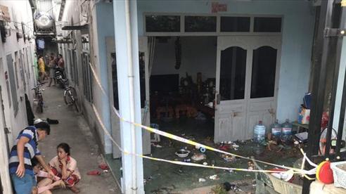 Vụ nhóm 'quái xế' hành hung 2 cha con: Con gái nạn nhân quỳ xuống van xin nhưng vẫn bị chém