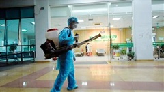 Thế giới dõi theo cách Việt Nam chống 'cơn bão' Covid-19 mới
