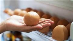 Không nên tích trữ trứng quá nhiều trong tủ lạnh