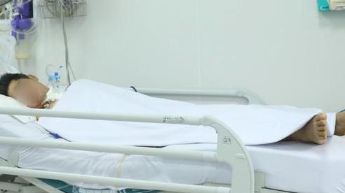 Người đàn ông Vũng Tàu ngộ độc Pate Minh Chay phải thở máy dài hạn, Bệnh viện Chợ Rẫy khẩn tìm nguồn thuốc giải độc
