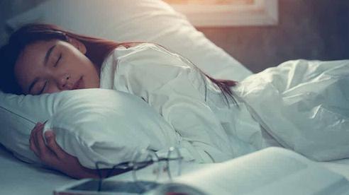 Hãy kiểm tra 4 dấu hiệu này giúp bạn phòng ngừa chứng ngưng thở khi ngủ vô cùng nguy hiểm
