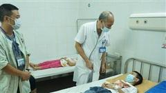 Hà Nội: Nhiều học sinh tiểu học ở Đông Anh đau bụng, đi ngoài, nhập viện do nghi ngộ độc thực phẩm