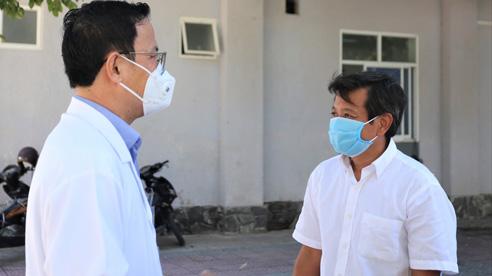 ĐỪNG LỠ ngày 12/9: Ông Đoàn Ngọc Hải bị người dân 'chặn đường', buộc nhận tiền ủng hộ mới cho đi; Bộ GD-ĐT lý giải việc bỏ quy định đuổi học