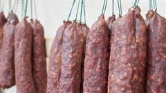 Loại thịt có khả năng gây ung thư cao bậc nhất được WHO cảnh báo nhưng nhiều người vẫn tiêu thụ mỗi ngày như một món khoái khẩu