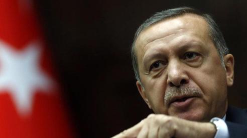 'Nóng mặt' giữa xung đột ở Địa Trung Hải, ông Erdogan đe dọa đích danh Tổng thống Pháp