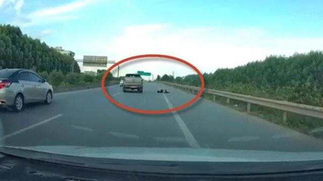 Đã bắt được hai đối tượng lái xe ô tô 16 chỗ cố tình tông chiến sĩ CSCĐ tử vong trên cao tốc Bắc Giang