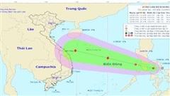 Áp thấp nhiệt đới vào Biển Đông, khả năng mạnh lên thành bão