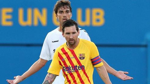 Bị kèm cực 'gắt', Messi nổi cáu với cầu thủ vô danh