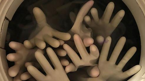 Những cánh tay vươn ra từ 'địa ngục' - Cảnh tượng không thể kinh dị hơn nhưng thực chất đến từ việc làm vô cùng quen thuộc với chị em