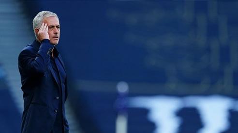 Mourinho hết thời và không còn bất khả chiến bại