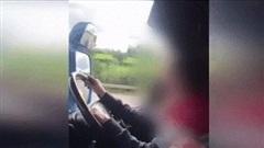 Kinh hãi cảnh bố cho con gái 12 tuổi lái xe tải trên đường cao tốc