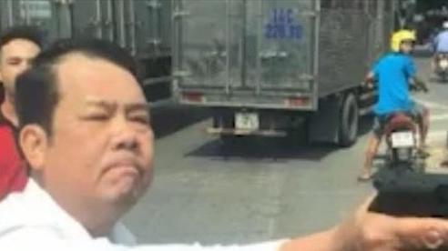 Vụ giám đốc công ty bảo vệ rút súng, dọa 'bắn vỡ sọ' tài xế ở Bắc Ninh: Luật sư nói gì?