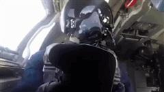 Mỹ-Anh đe dọa TT Putin ở Sochi: 3 chiếc Tu-160 Nga lập tức áp sát, London toát mồ hôi hột!