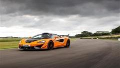 McLaren 620R có giá gần 300.000 USD