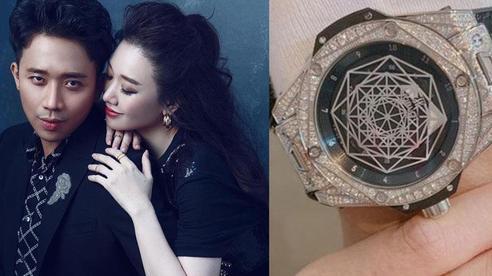 Hari Won: Trấn Thành nói đồng hồ anh ấy mua trị giá 1 tỷ, tôi phải sửa lại ngay