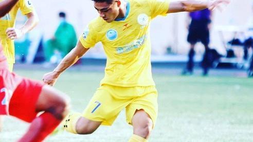 Nghe nhạc đám ma xong thua đậm, CLB TP HCM mua liền 3 cầu thủ Sanna Khánh Hòa để 'giải đen'?