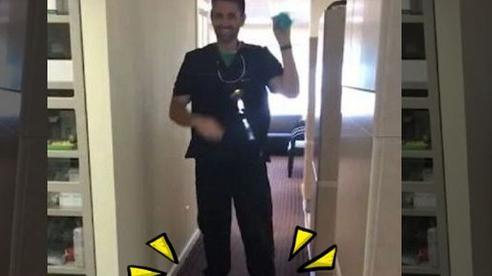 'Trổ tài' nhổ răng khi chơi xe điện cân bằng, nha sĩ bị phạt tù 12 năm