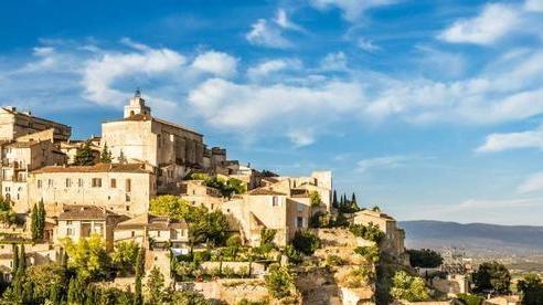 Chiêm ngưỡng những ngôi làng tuyệt đẹp nằm cheo leo bên vách núi