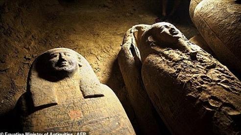 Phát hiện loạt quan tài cổ gây chấn động Ai Cập