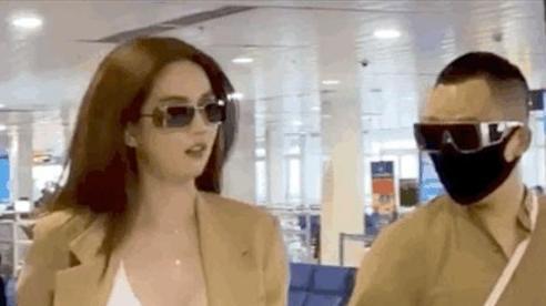 Ngọc Trinh gây sốc khi diện hẳn nội y trễ nải cực 'hớ hênh' tại sân bay, đi qua ai cũng phải ngước nhìn
