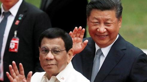 Mỹ-Trung cùng ráo riết lấy lòng 1 nước ở biển Đông: Điều quan trọng khiến Bắc Kinh 'ngậm ngùi' kém cạnh