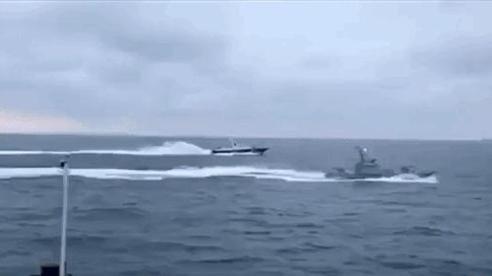 NÓNG: Tàu chiến hiện đại của Hải quân Nga bị đâm ở Đan Mạch