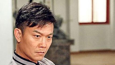 'Đối thủ của Lý Liên Kiệt' tuột dốc vì scandal quay lén phụ nữ, tuổi U60 ra sao?