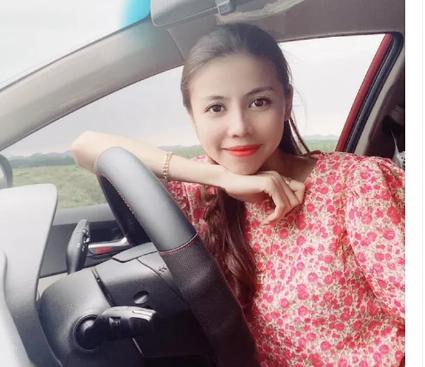 Chân dung hot girl 'Hoa Vô Lệ' xinh đẹp bán quần áo, cho vay nặng lãi với lãi suất 'cắt cổ'