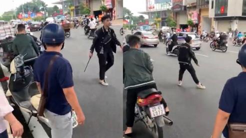 Thông tin ngỡ ngàng về kẻ dùng gậy sắt đập phá xe máy người bênh vực 'bà bầu' sau va chạm giao thông