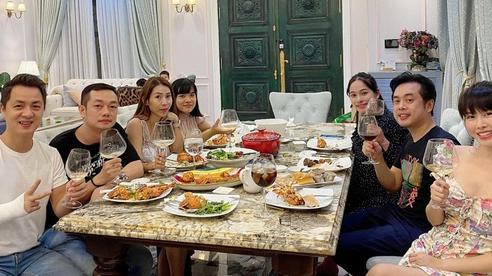 Dương Khắc Linh - Sara Lưu tụ họp tại biệt thự triệu đô của vợ chồng Đăng Khôi, sáng nhất nhan sắc 'gái 2 con' Thuỷ Anh
