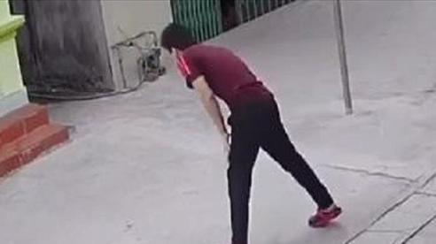 Video: Cười ngất với thanh niên say thuốc lào 'nghiêng ngả' nhất năm