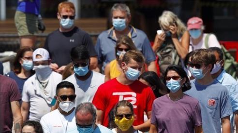 Ca nhiễm ở Nga tăng vọt, hơn 90% người Mỹ trưởng thành dễ mắc Covid-19