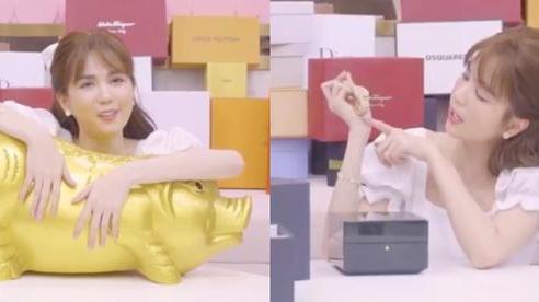 Clip 'đập hộp' sinh nhật của Ngọc Trinh: 30s chốt luôn đồng hồ 1,8 tỷ, số tiền nuôi heo sau 7 tháng gây choáng