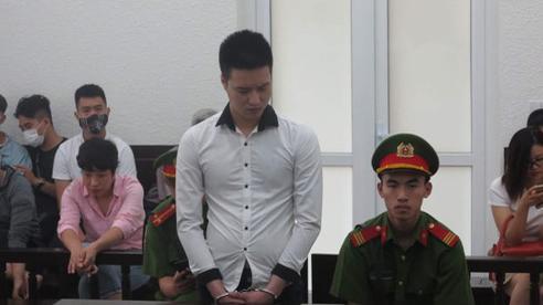 Bản tin cảnh sát: Đâm chết người vì bị ép quan hệ đồng tính sau khi sử dụng ma túy; Bắt giam nguyên Giám đốc BIDV Chi nhánh Phú Yên