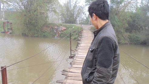 Khiếp sợ khi đi qua cây cầu 'ma ám' ở Hà Nội