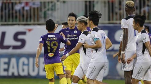 'Đội trưởng' của thầy Park lập cú đúp, CLB Hà Nội 'xé nát' HAGL giành quyền định đoạt ngôi vương