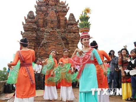 Đồng bào Chăm Ninh Thuận, Bình Thuận rộn ràng đón lễ hội Katê