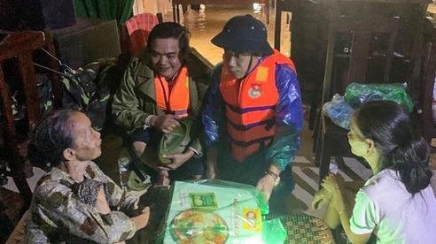 Chủ tịch huyện Phong Điền gặp nạn ở Rào Trăng 3, người mẹ già chưa tin đó là sự thật